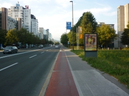 Bike paths in red - AWESOME!! all around ljubljana
