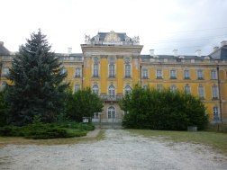 Old house of royalty along Elbe Route - disbanded and about to be reno'd