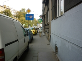 And here - I'm supposed to cycle through here - a normal day in Krazy Kapers Krakow