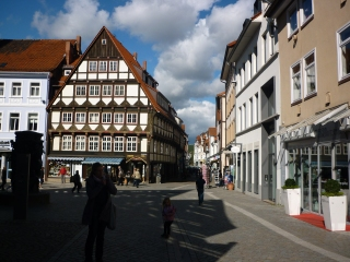 Walking around Hameln - The city sq