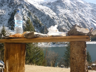 Lunch - self made table - 2nd Hike to Lac du Lauvitel (La Danchere)